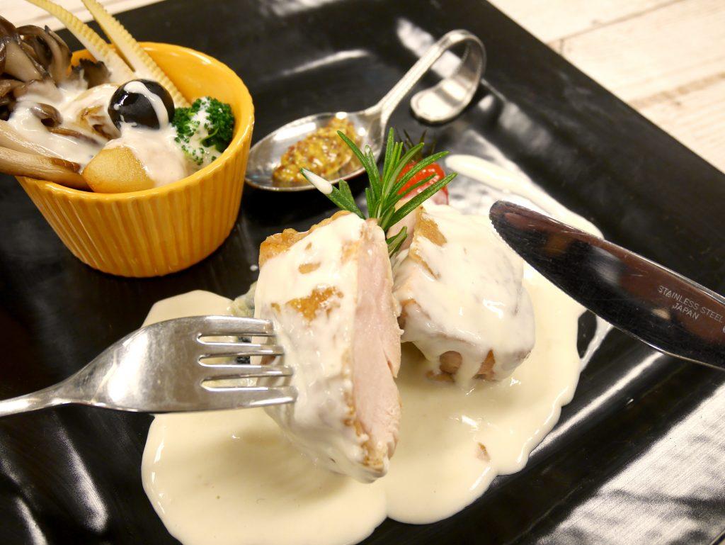 【バレンタインビュッフェ開催!】チキンのクリームソース&チョコビュッフェ @ 和泉校本校