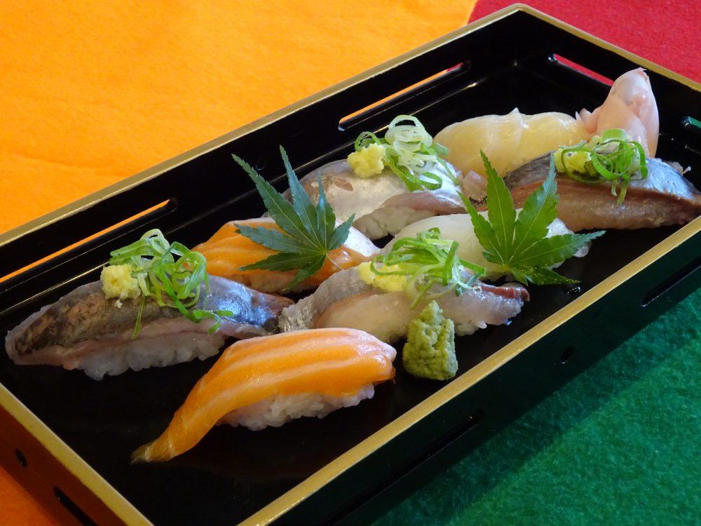 【日本料理】人気ネタの握り寿司の盛り合わせ @ ecole UMEDA